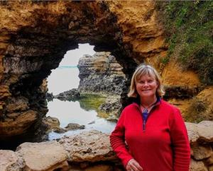 Explore The Great Ocean Road - Jane Barnes